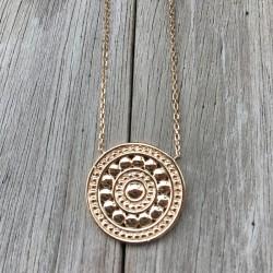 Collier médaillon et fine chaîne plaqué or - L'ELEGANTE